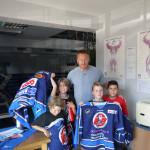 EHC Kleinstschüler treffen Eishockey Superstar